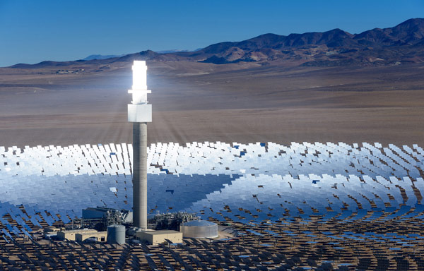 Solar Thermal Technology with Integrated Molten Salt Storage